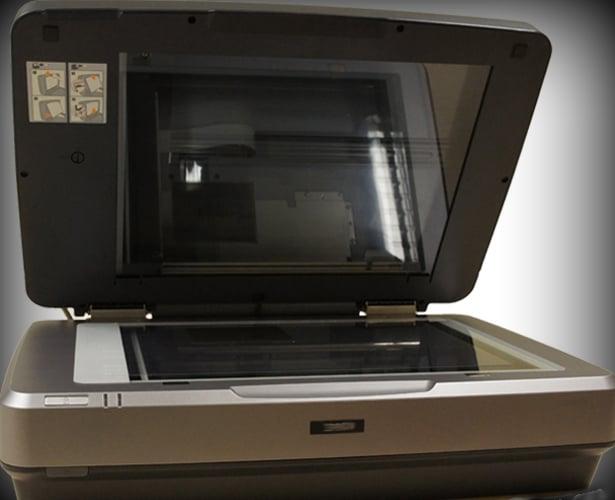 Flatbed Scanner for digitising glass plates